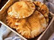 Печени пърленки на скара с шарена сол и мая